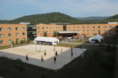 courtyard-event